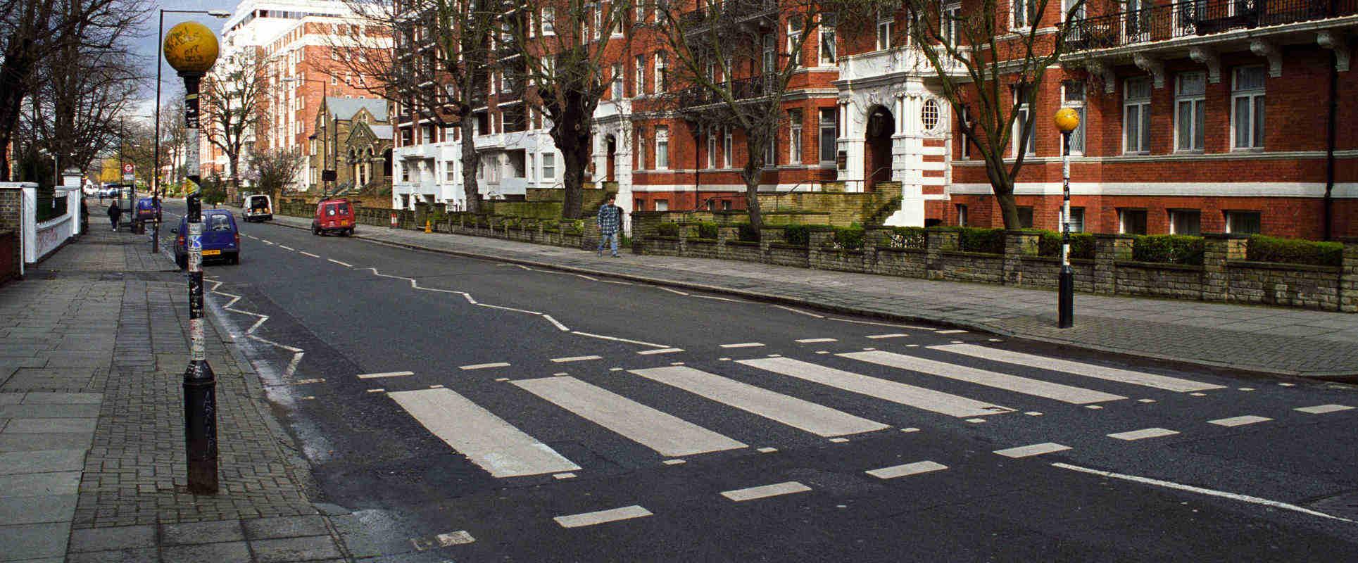 Abbey_Road_Crossing_London_Sander_Lamme