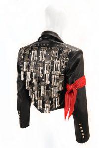 La chaqueta de cenar de Michael Jackson por Michael Lee Bush